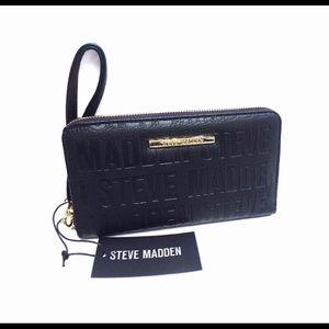 Steve Madden Wristlet